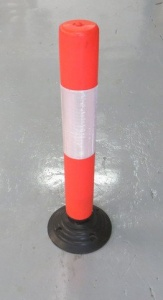 <u>Flexible 800mm Plastic Post with SBR Rubber Base</u>